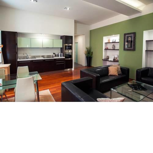 ★5 STAR LIVING-Amazing 2BED|2BATH Apt-Old Town Sq
