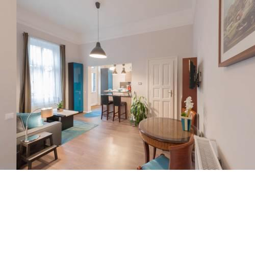Andrassy Garden Apt in Center