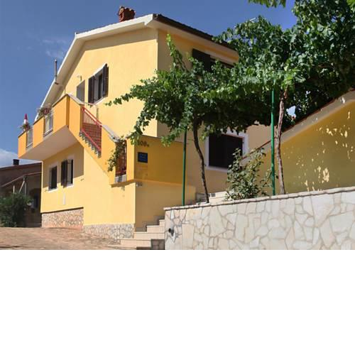 Apartment Gortan with balcony near Pula for max 4 persons