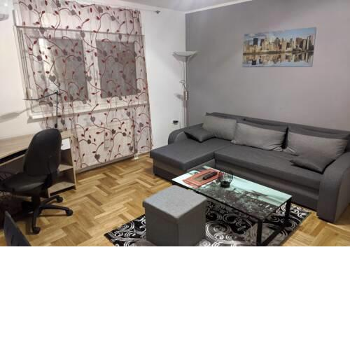 Apartment in quiet area with free parking