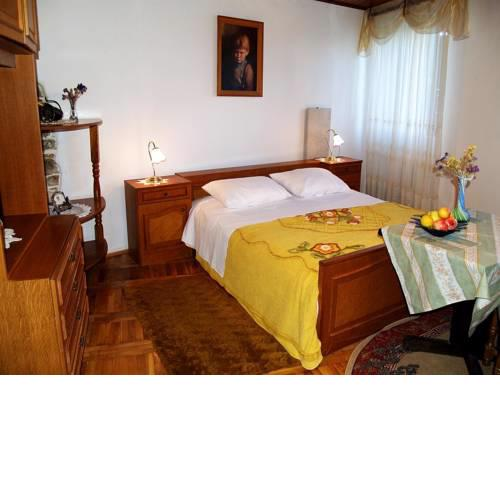 Apartments and rooms with parking space Motovun, Central Istria - Sredisnja Istra - 14160