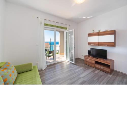 Apartments by the sea Brist, Makarska - 11078