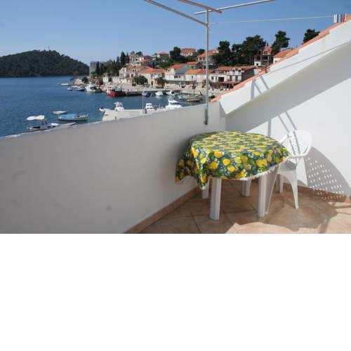 Apartments by the sea Brna, Korcula - 4415