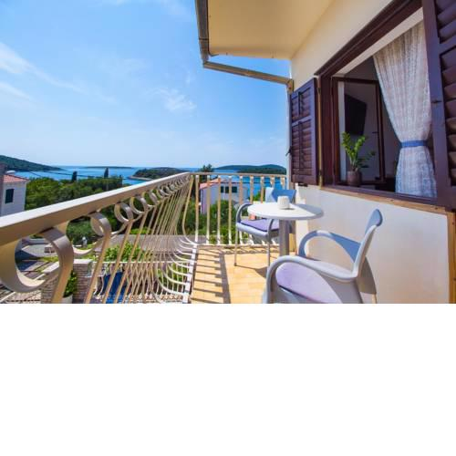 Apartments by the sea Maslinica, Solta - 776
