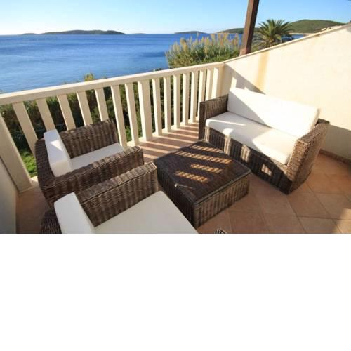 Apartments by the sea Milna, Vis - 8946