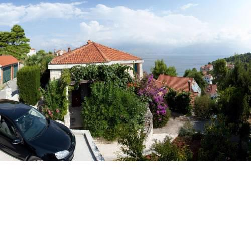 Apartments by the sea Postira, Brac - 15053