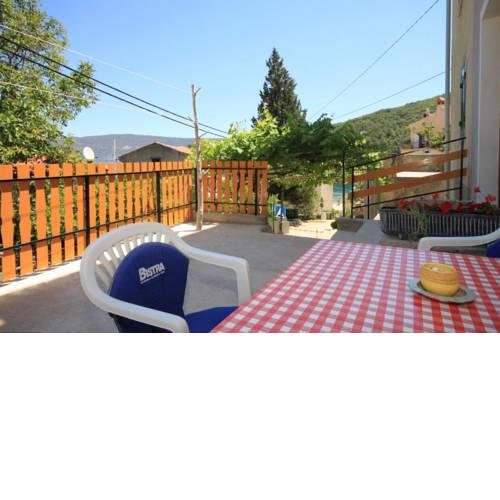 Apartments by the sea Valun, Cres - 8081