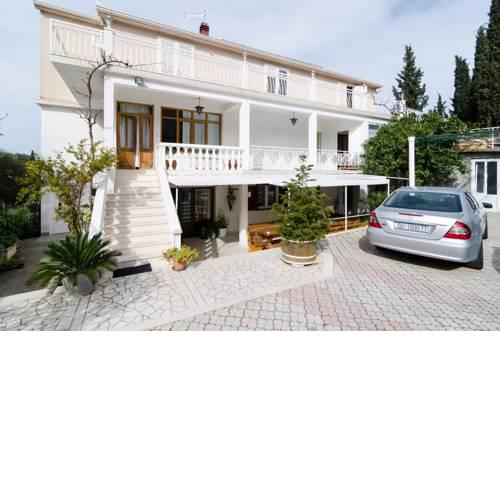 Apartments Villa Nikol
