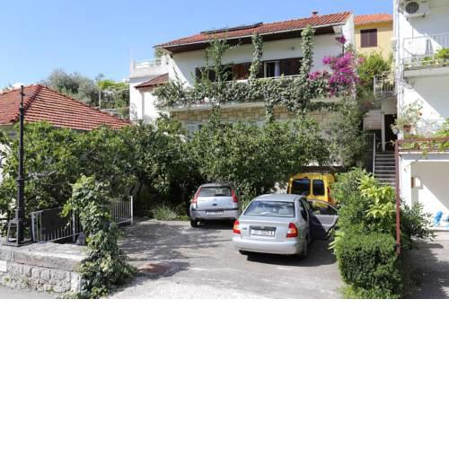 Apartments with a parking space Trpanj, Peljesac - 10111