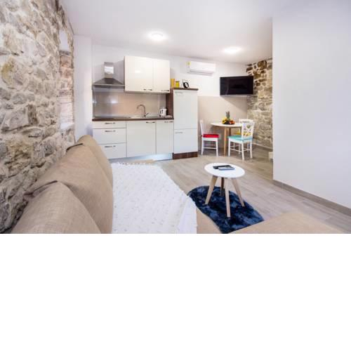 Cozy seafront Apartment Cambi III