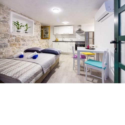 Cozy seafront studio Apartment Cambi