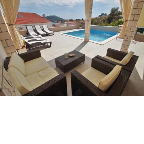 Family friendly house with a swimming pool Brna, Korcula - 13943