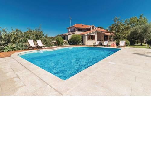 Family friendly house with a swimming pool Loborika, Pula - 14132