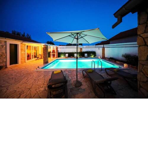 Family friendly house with a swimming pool Pridraga - Cuskijas, Novigrad - 18169