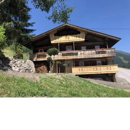 Holiday Home Ferienhaus (SUZ320)