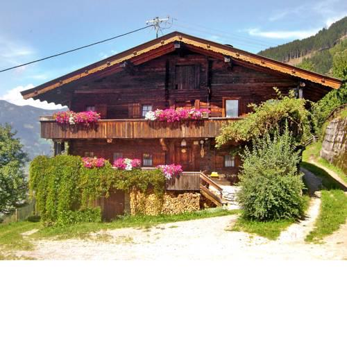 Holiday Home Hochzillertalblick