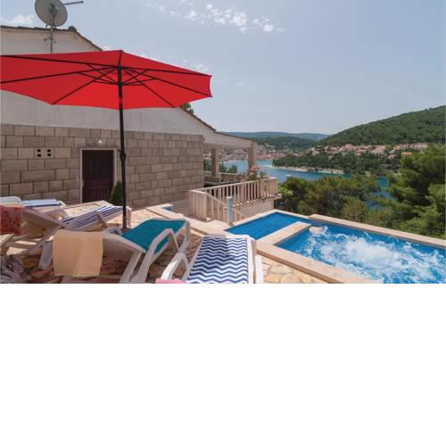 Holiday Home Pucisca with Hot Tub I
