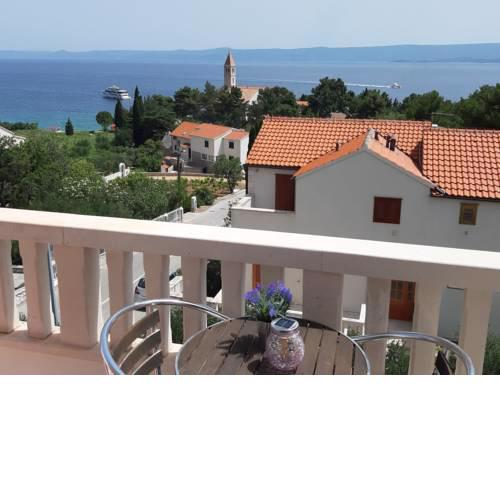 Liliana Bol Apartment with Wonderful Sea View Near the Beaches
