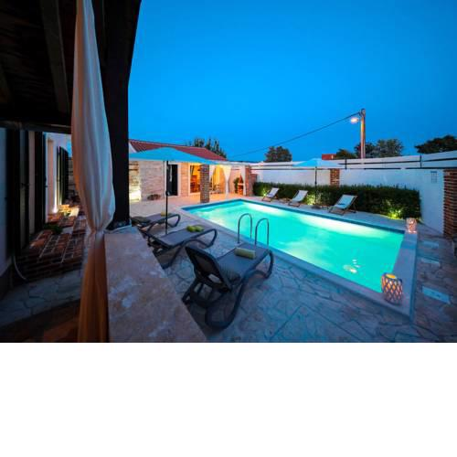 Luxurious Villa in Pridraga with Swimming Pool