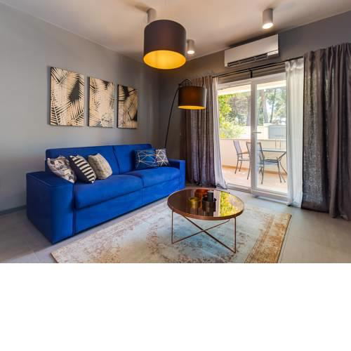 Magnolia - Modern Apartment near City Center and Sea