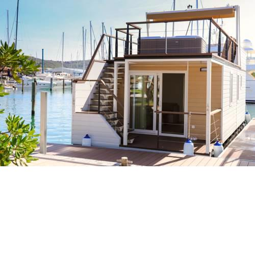 Marina Luxury Houseboat Lavender