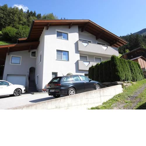Nice apartment in a sunny quiet location near Mayrhofen