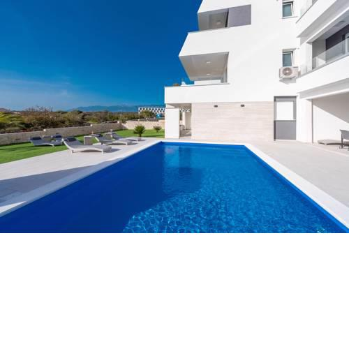 Pool Apartments Mare