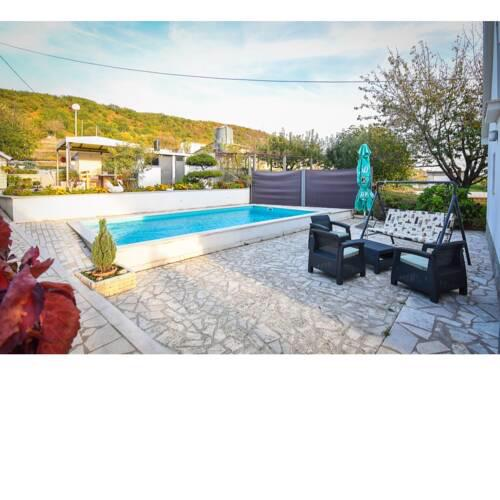 Quaint Holiday Home in Sinj with Private Pool