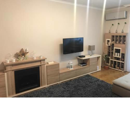 Quiet, modern apartment in the city center with free parking