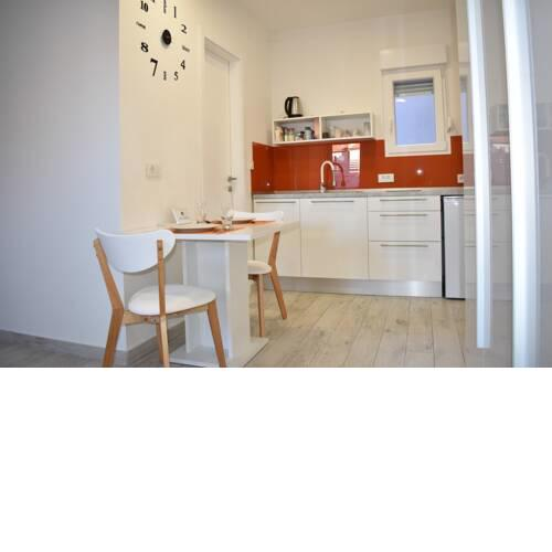 Rooms and StudioApts near Main Square and Train Stn - 10 Min Walk