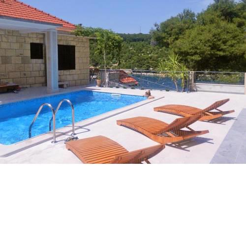 Seaside family friendly house with a swimming pool Puntinak, Brac - 767