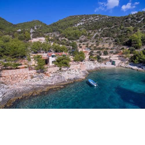 Secluded fisherman's cottage Cove Golubinka, Hvar - 14344