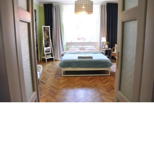 Spacious apartment, great location in Prague