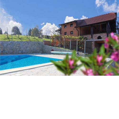 Stunning home in Ludbreg w/ Outdoor swimming pool and 2 Bedrooms