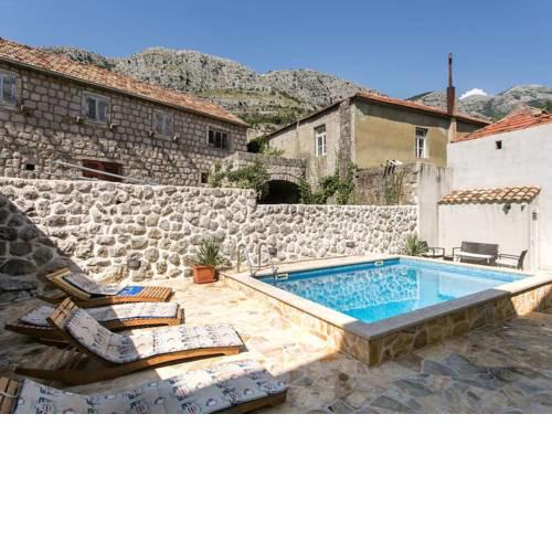 Traditional Villa in Gruda with Swimming Pool
