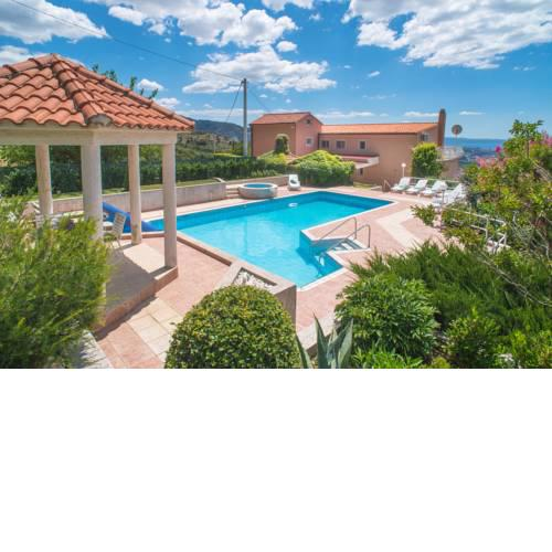 Villa Klara with 72m2 pool and view on Split and islands