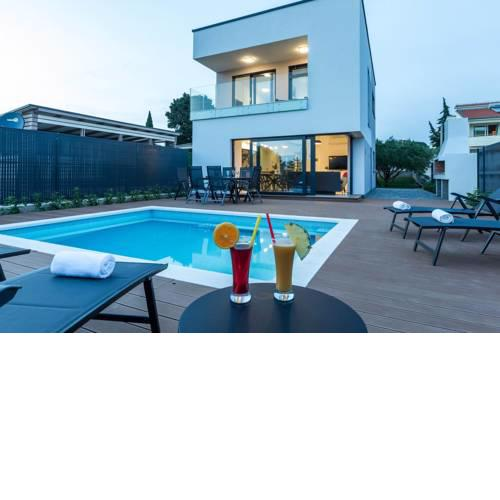Villa Lasti with private swimming pool